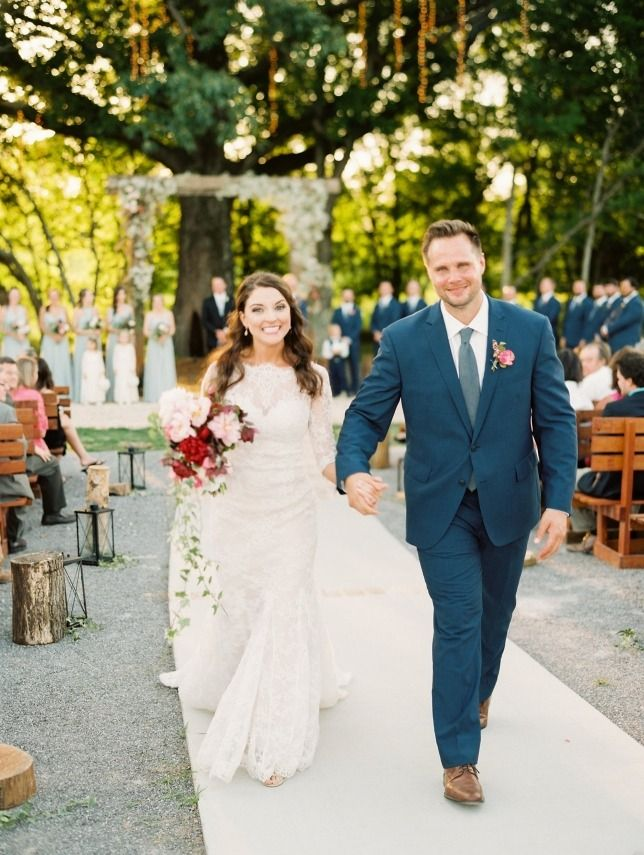 Bridlewood Of Madison Wedding Photos Mississippi Photographer Rachel Solomon Photography Long Sleeve Lace Dress By Designer Martina