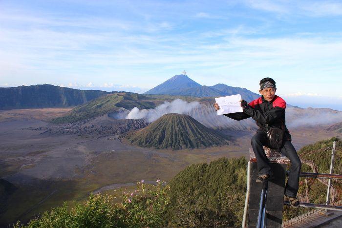 Salah satu keindahan yang akan kita temukan di Jawa Timur. Gunung Bromo #yukpiknik #wonderfulindonesia