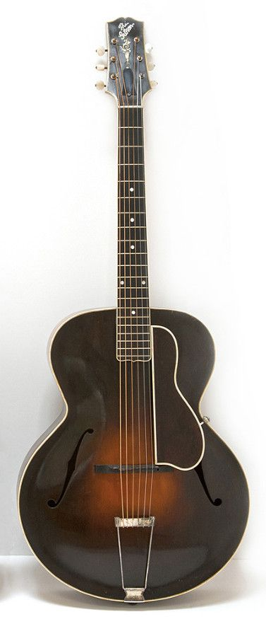 Vintage Gibson L-5, 1924 _ Signed and dated by Lloyd Loar on March 31st 1924, Serial Number: 76710, Introduced in 1923, the L-5 was Gibson's first f-hole archtop guitar.