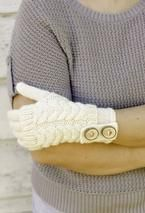 I don't know how to knit. I'm pinning this b/c I want someone to make me those gloves.