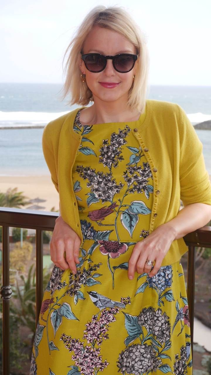Lauren Laverne wears Boden Kiera Dress & cashmere. March 2015.
