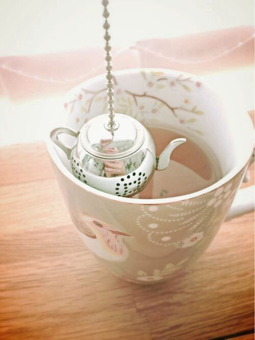 Tea time and the little teapot infuser