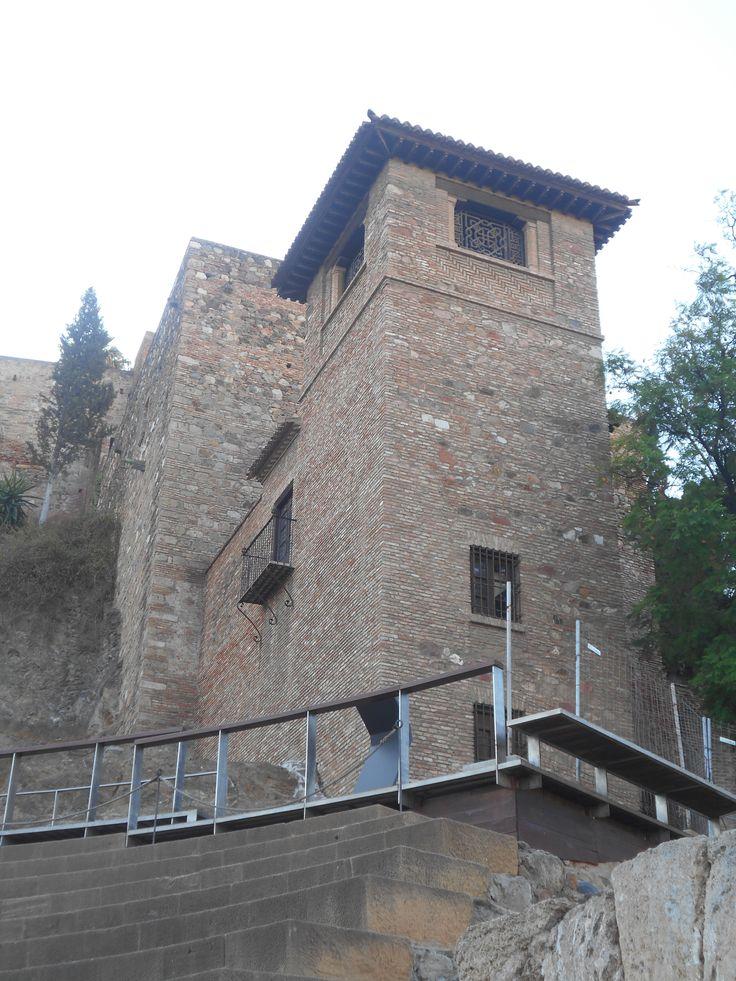 Torre desde Teatro Romano.