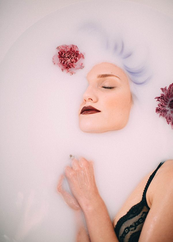 Lavender & Lace  Photography by: Alejandra Vidal #disfunkshionmag #fashion…