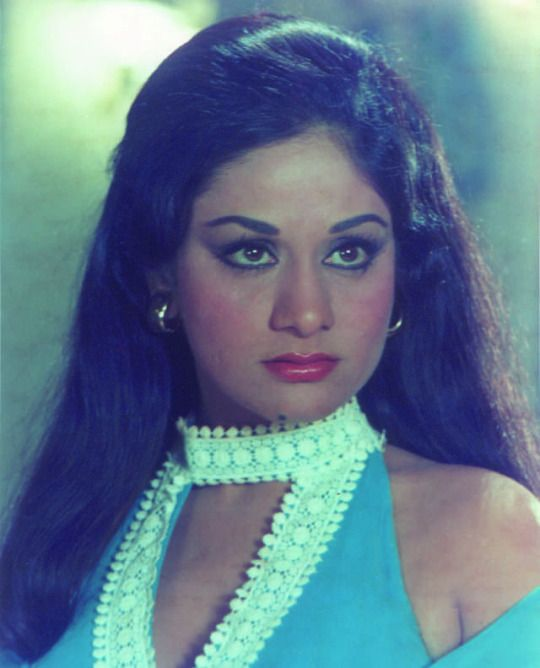 Wishing Aruna Irani many happy returns of the day. (03-05)