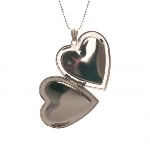 Heartshaped locket necklace