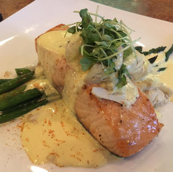 Pan seared salmon fillet over sautéed asparagus topped with a butter cream sauce and crabmeat and micro greens. @709pointbeach in Point Pleasant NJ served it up. #dinner #salmon #crab #asparagus #fish #seafood #weekend #finedining #delish #bigfoodbig #foodporn #instafood #foodstagram #pointpleasant #nj #food #foodie #hungry #eat