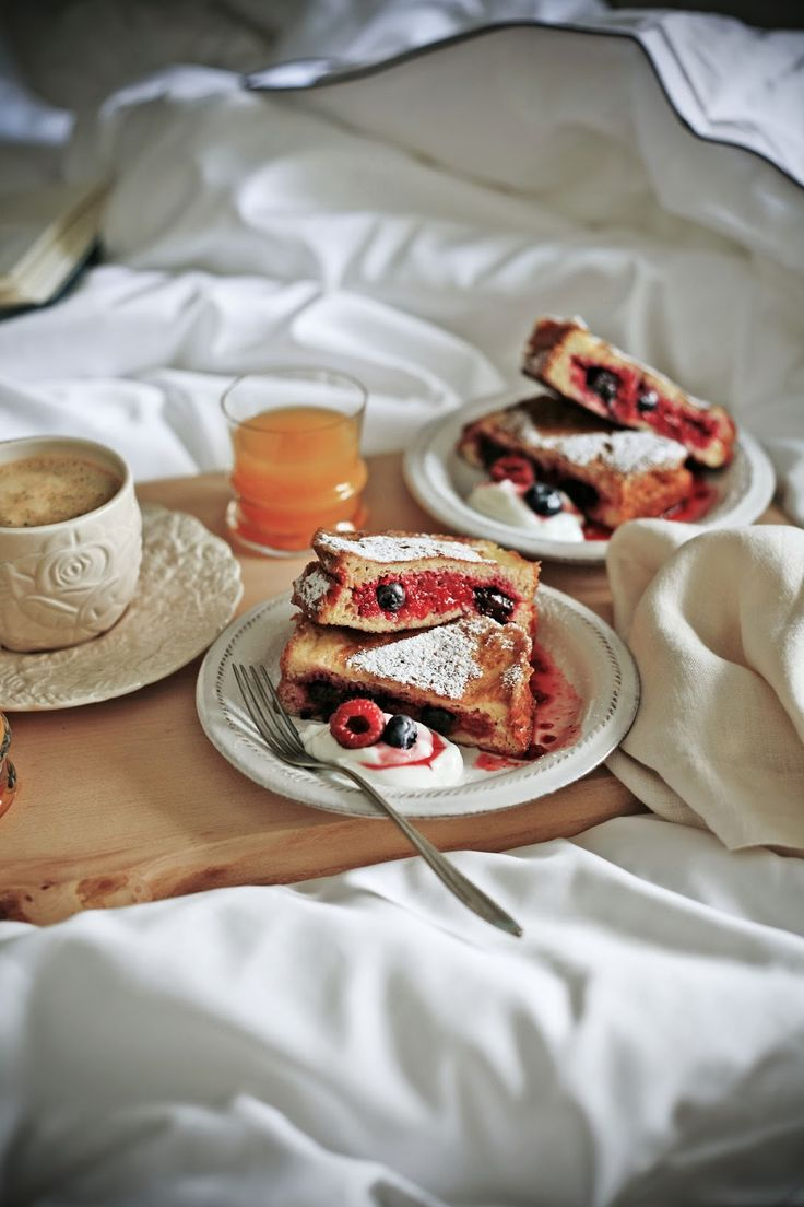 Pratos e Travessas: Pequeno almoço na cama # Breakfast in bed | Food, photography and stories