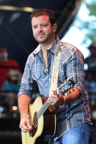 WADE BOWEN!  If you don't know... you better find out.: Wade Bowen, Red Dirt, Better Finding, Dirt Roots, Eye Candies