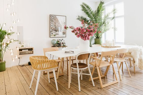 How To Master Mismatched Dining Chairs Like A Pro via Sun Soul Style