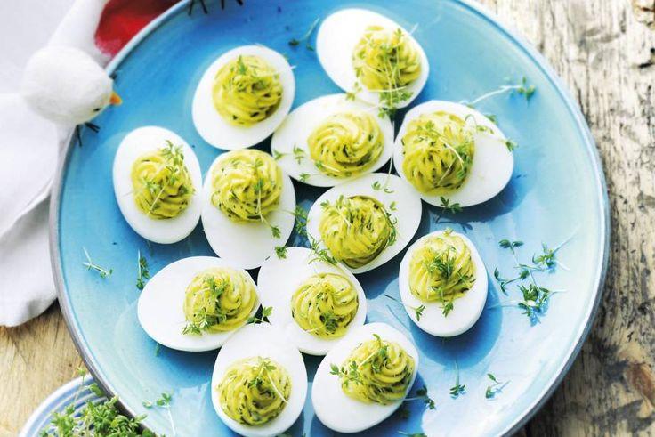 Kijk wat een lekker recept ik heb gevonden op Allerhande! Gevulde eieren met forel