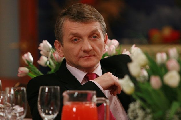"""""""Plebania"""". Janusz Tracz (Dariusz Kowalski) to kwintesencja zła, fot. Justyna Gołaszewska/JUGO/TV"""