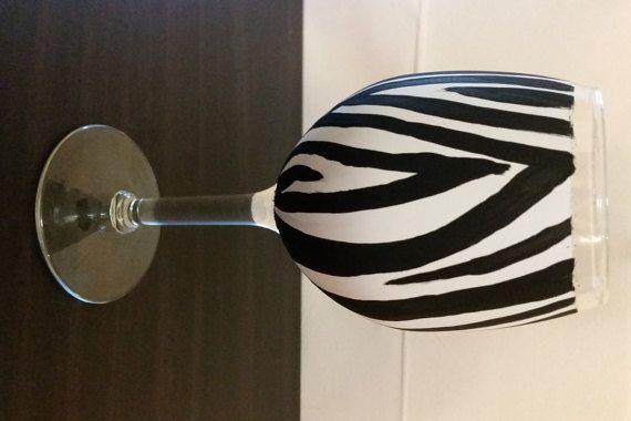 Dipinto a mano zebra bicchiere di vino di Wineglassaccessory