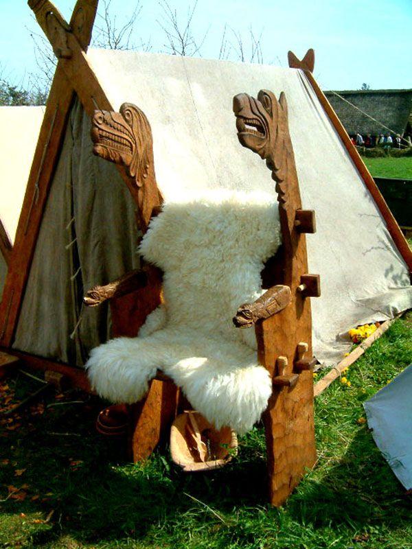 Libro Territorio Vikingo. Sillón vikingo desmontable.
