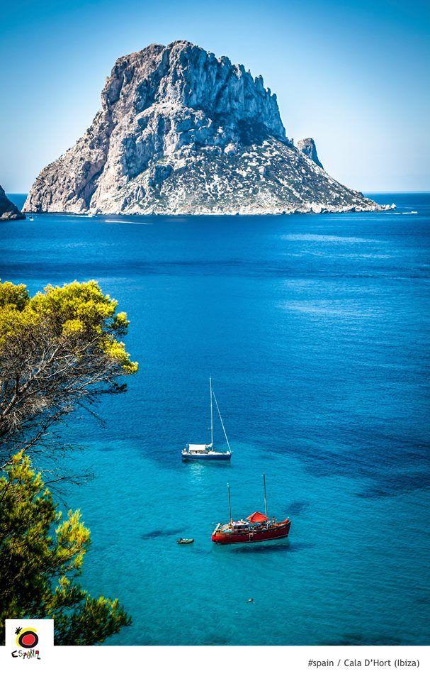 Cala D'Hort, Ibiza Yacht Club Ibiza - Islas Baleares - Social Club & Life Style www.yachtclubibiza.com
