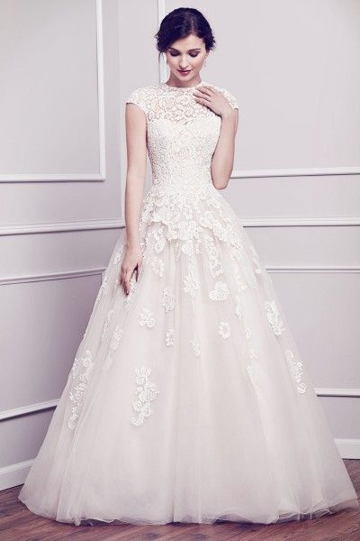 2015 Unique Vintage Wedding Dresses UK with Jewel,Princess,Lace Fabric,Court Train, V2014120922