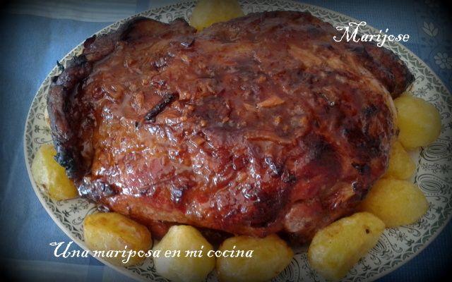 Paleta de cerdo al horno - http://www.mytaste.es/r/paleta-de-cerdo-al-horno-53962012.html