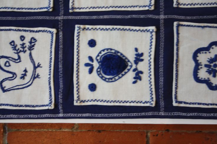 The intricated velvet needle art - Guimarães traditional embroidery