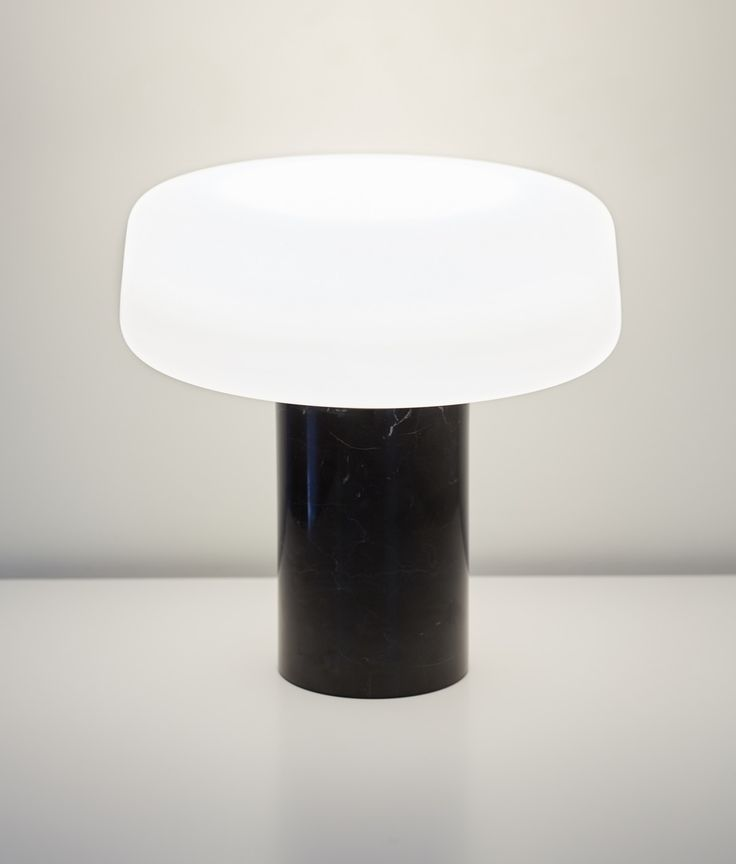 Solid Table Light in Nero Marquina marble