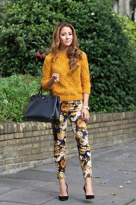A printed pant is an easy, ready to wear piece that acts as you focal point. An effortless go to piece