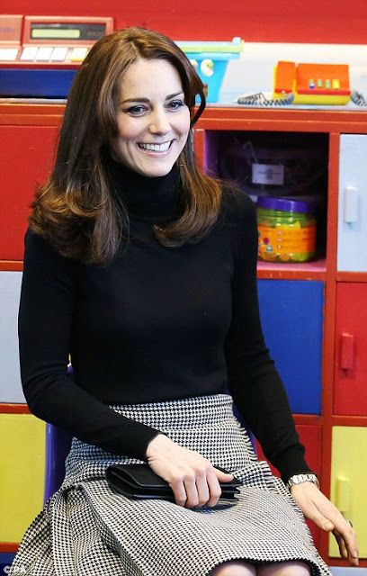 Royals & Fashion - The Duchess of Cambridge visited an education center in Scotland where The Art Room Foundation is installed.