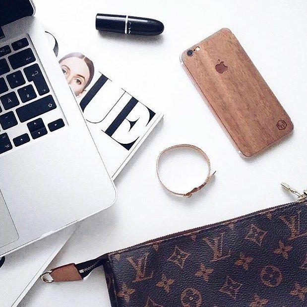 ✨All you need✨  #mymaurino  #louisvuitton  #vogue  #macbook  #iphone  📷: @whatnessloves  Get your Mesh Bracelet now at www.onemaurino.com