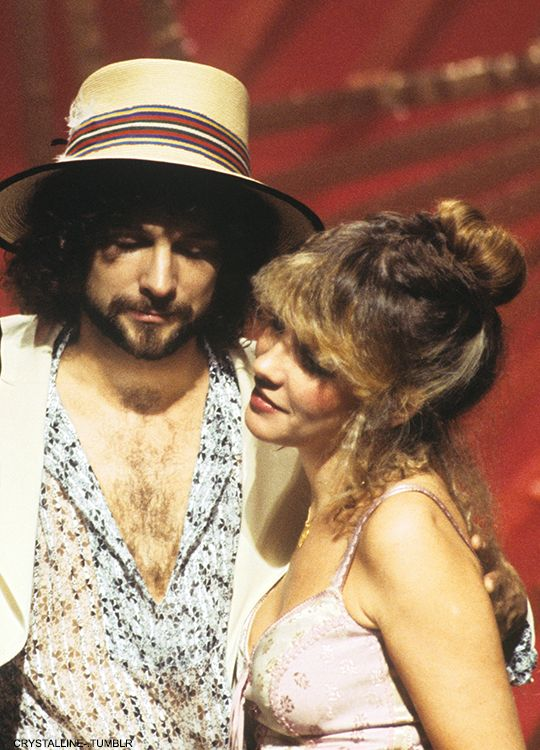 crystalline-:Stevie & Lindsey photographed on stage at the American Music Awards in 1978.HQ copy: {x}