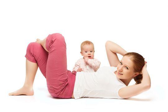 Ćwiczenia z dzieckiem mogą być przyjemną zabawą. Zobacz sama