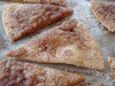 Tortilla's met kaneelsuiker Echt lekker! En supersimpel. Bestrijk Tortilla's met een mengsel van suiker, kaneel en gesmolten roomboter,  in punten snijden met pizzasnijder, bakken in de oven op 180 graden, tot goudgeel.