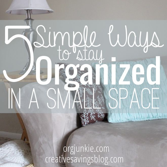 If you've ever lived in a tiny apt, you know what a pain it is to find room for all that stuff! Here are the best tips to stay organized in a small space.