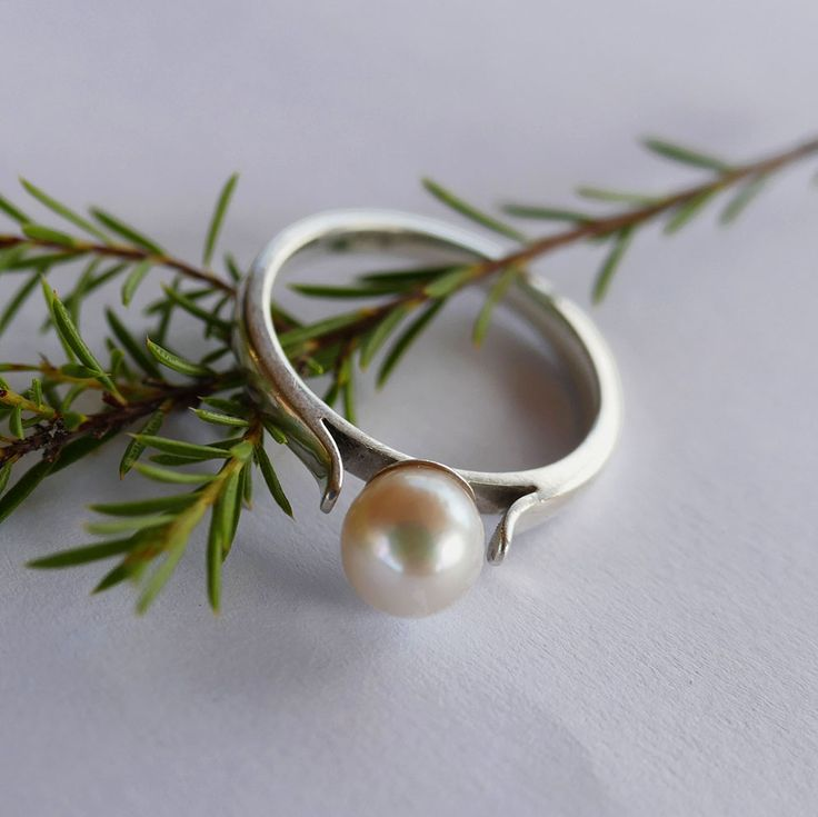Classic Pearl Ring. #silver #handmade #anniversarygift #rings #designerjewellery #floral #jewelryphotography
