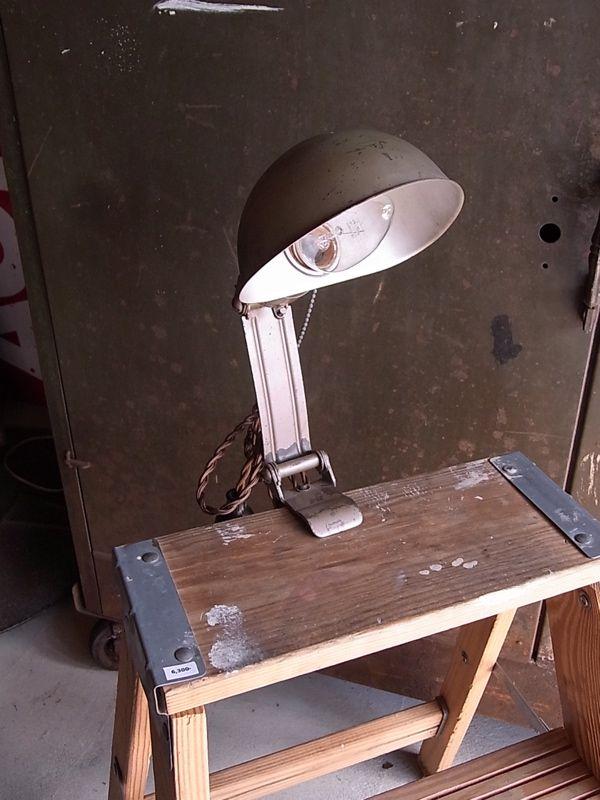 インダストリアル ライト 照明器具 /// ロストアンド ... 画像1: アンティーク 1灯 インダストリアル デスクランプ ワークライト ハンディライト メタルシェード クリップ