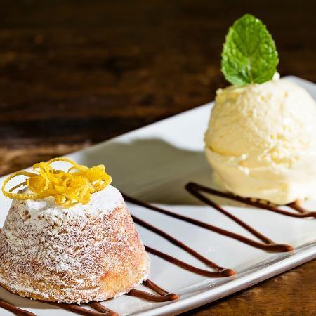 Sobremesa de Petit Gateau de limão siciliano para o fim de semana: http://guiame.com.br/vida-estilo/gastronomia/sobremesa-de-petit-gateau-de-limao-siciliano-para-o-fim-de-semana.html#.VTo59WTBzGc