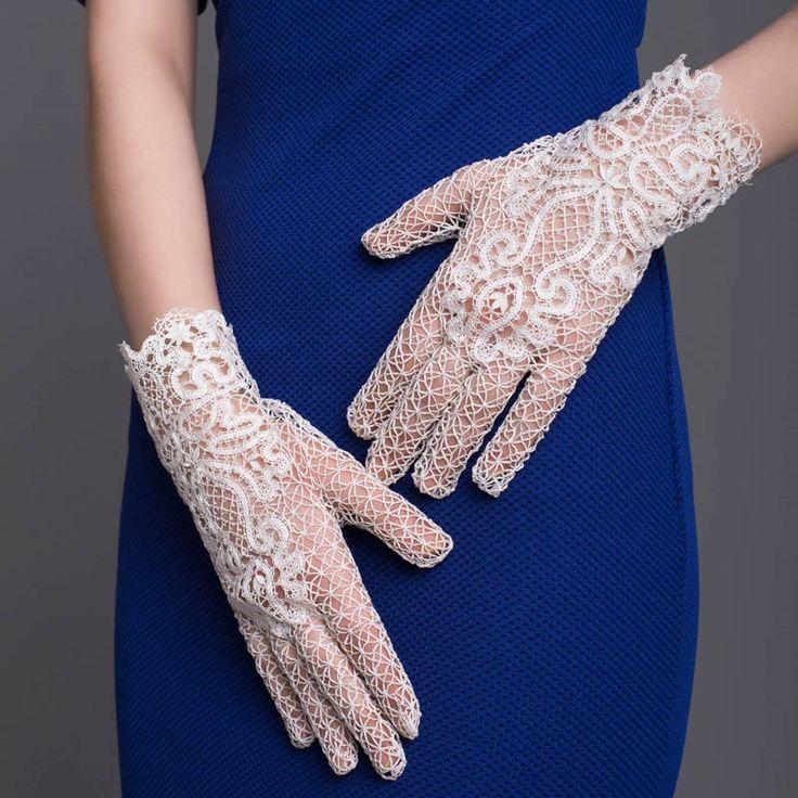 Кружевные перчатки «Цветок любви» Вологодское коклюшечное кружево ручной работы by MadamKruje on Etsy