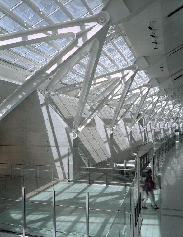 Toronto Lester Pearson International Airport, interior steel structure construction