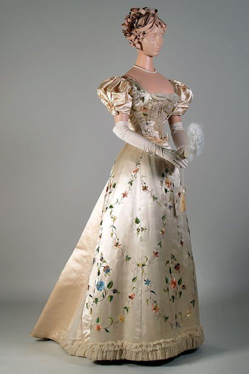 Evening dress ca. 1895 From the Kent State University Museum... - Fripperies and Fobs