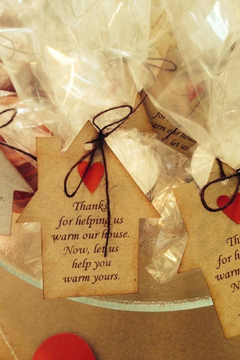 Housewarming tags for guest favors    Details:  * Set of 10 tags, measures approx 2.25 x 3  * custom colors to match your occasion (I have