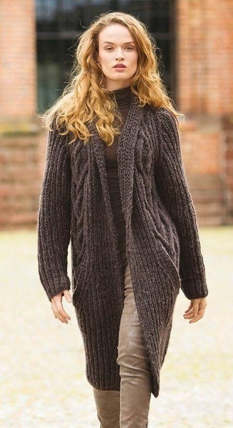 Пальто с патентным узором и косами - Вязаные модели спицами для женщин