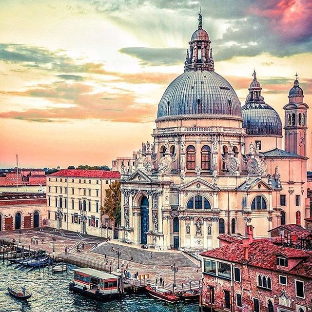 VENICE, ITALY. Sent @_enk #venice #italy #travel #europe #cities__world #венеция #италия #европа #туризм #