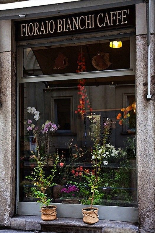 Fioraio Bianchi Caffè: Food and Flowers from Milan's Poet Florist / gardenista