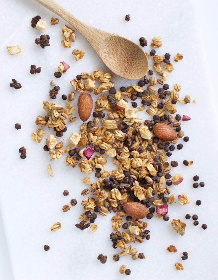 Sprød granola med linser og tørret æble
