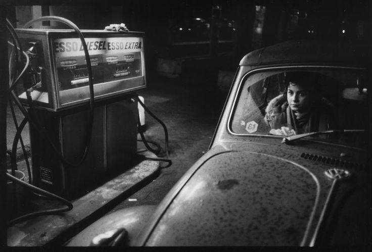 Raymond Depardon. French photographer Claudine DOURY. FRANCE. Paris. 5th arrondissement. Boulevard du Port-Royal. 1981