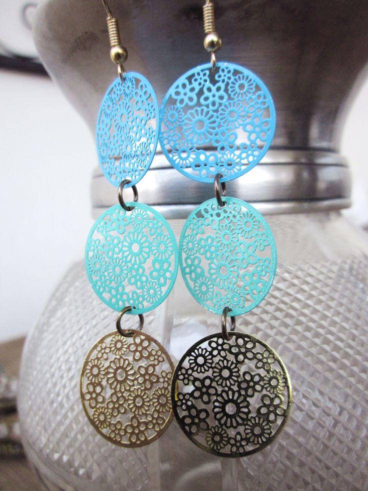 delicate dolido earrings