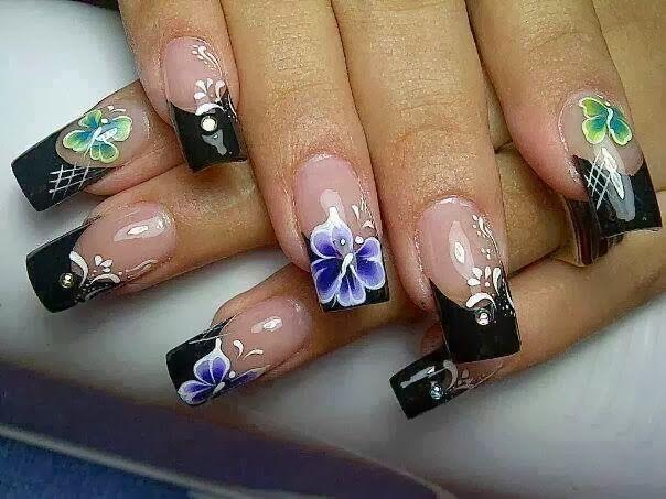 pintado de uñas con diseño de flores y mariposas , Buscar con Google