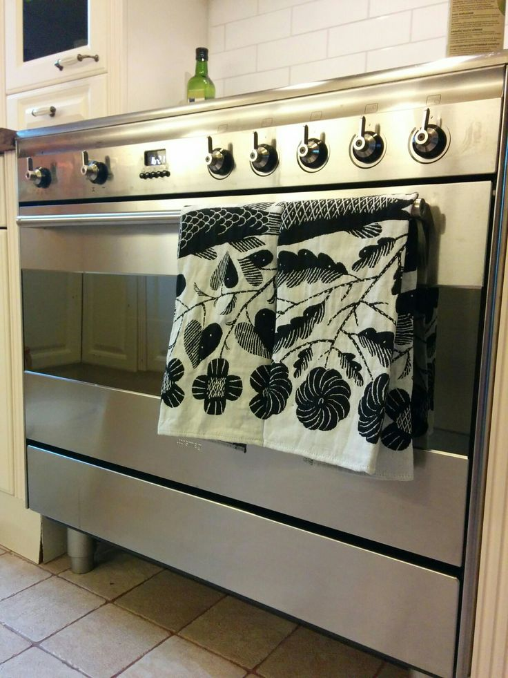 Smeg and new towels by Lapuan Kankurit.