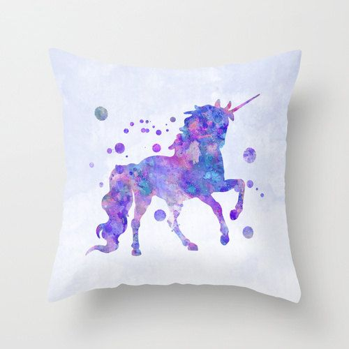 Les 25 meilleures id es de la cat gorie unicorn pillow sur for Chambre unicorn