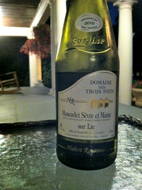 2010 Muscadet Sèvre et Maine, Domaine des Trois Toits. Light, clean, mineral. A perfect evening on the porch wine.: Trois Toits, Mineral, Porches Wine
