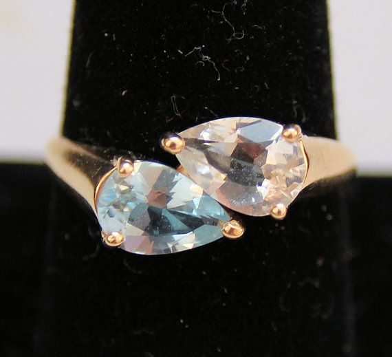 Estate 14K Yellow Gold Natural Blue & White Pear-Cut Zircon Ring 3.2 Grams Size 8.75