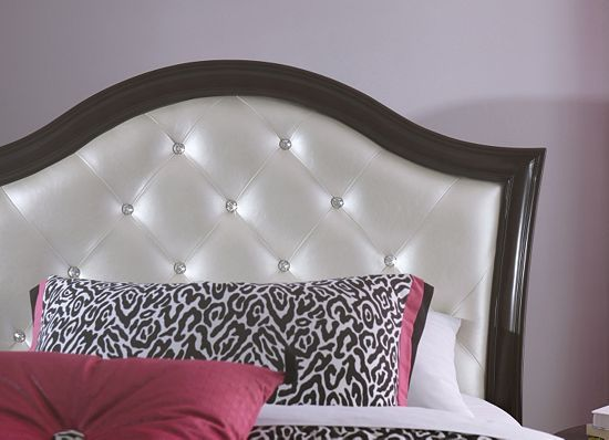 The LaBelle Panel #bed From #Havertys Creates A #luxurious #fairytale  Bedroom For