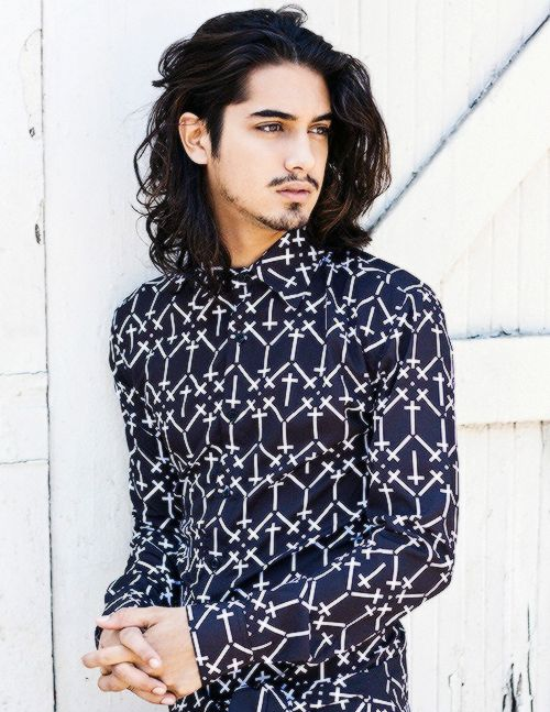 Avan Jogia is such a sexy guy.